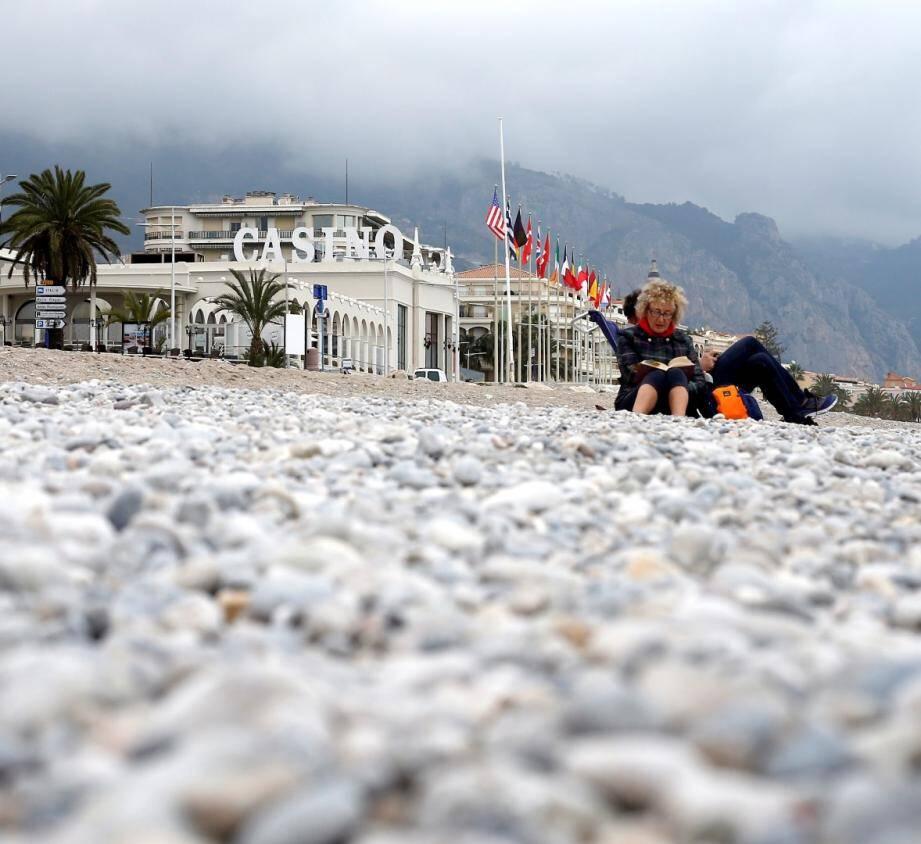 Le rendez-vous est fixé à 14h30 sur la plage du casino.