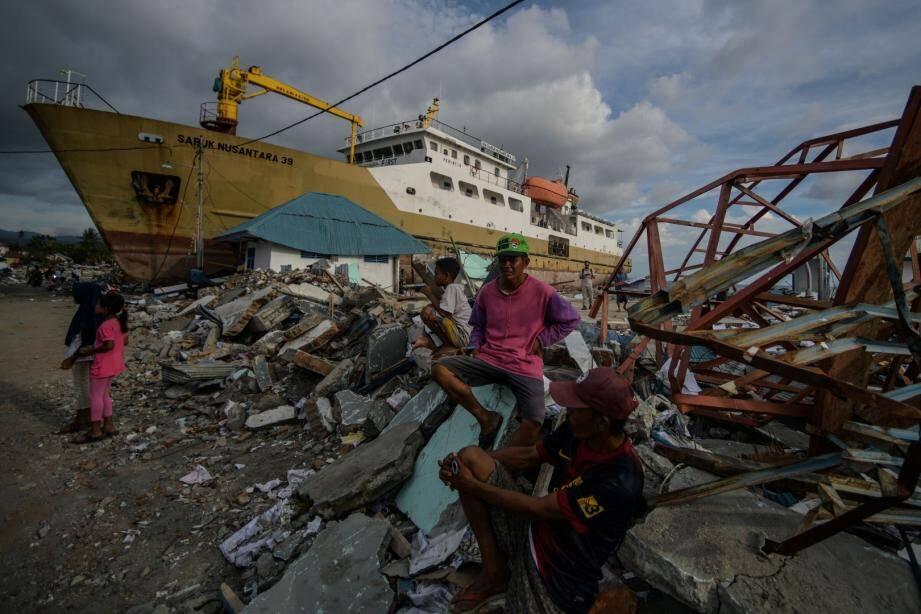 Les autorités craignent que des milliers de personnes ne se trouvent encore sous les décombres de deux quartiers de Palu particulièrement dévastés.