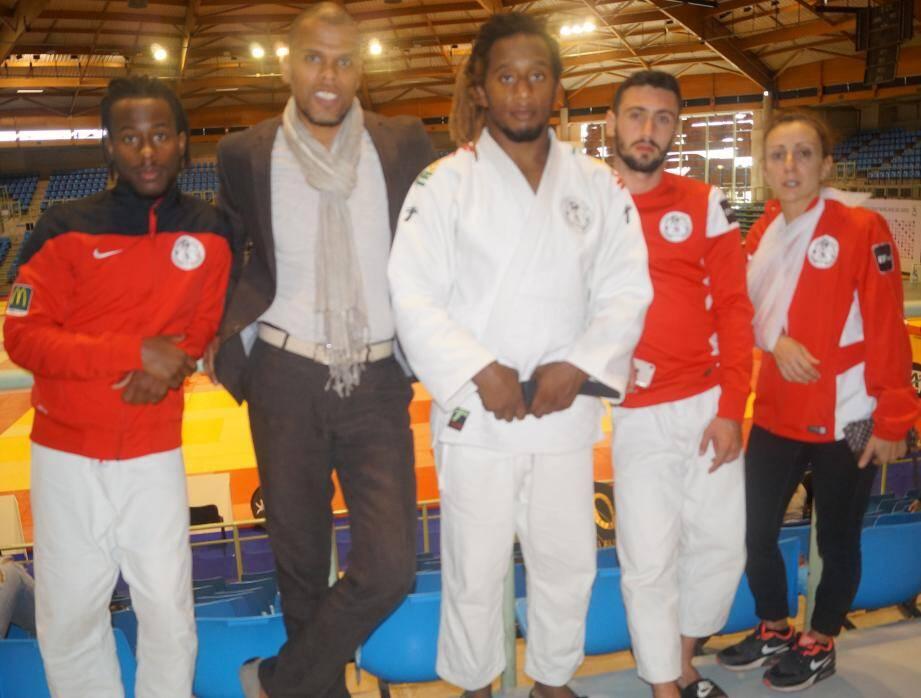 A Villebon, De Carvalho, Daniel Ravin (professeur), Faucher, Scamuzzi et Desailloud-Roseren.(DR)