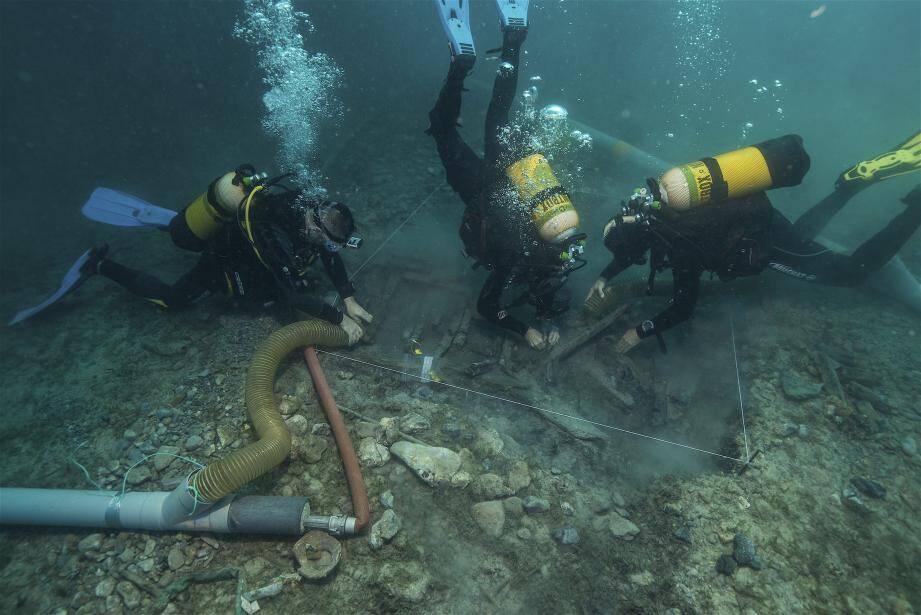 Les fouilles sont habituellement gênées par la posidonie. Cette année, « on va profiter à fond ! », s'impatiente le président d'Anao. DR