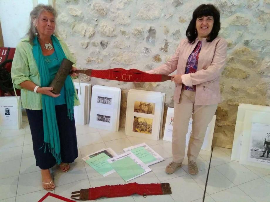 Ghislaine Peronnet, Geneviève Léandri et Jean-Philippe Fighiera (absent sur la photo) organisent, en partenariat avec la mairie, l'exposition « Les Bendejunois et la guerre 14-18 », du 4 au 11 novembre.