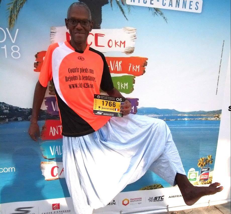 Sidy Diallo milite aussi sur son site - sidy42k.com - pour laisser les chaussures au vestiaire.