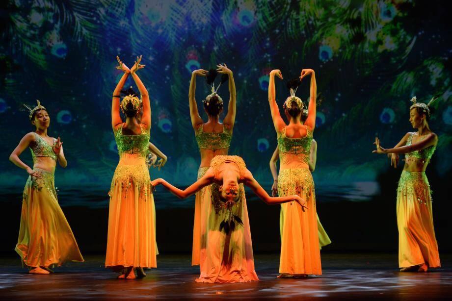 Le chorégraphe Ma Tao, dont la troupe participera aux festivités de la Fête nationale la semaine prochaine, a fait voyager ses danseuses et acrobates à ses frais pour le prestige de Monaco.