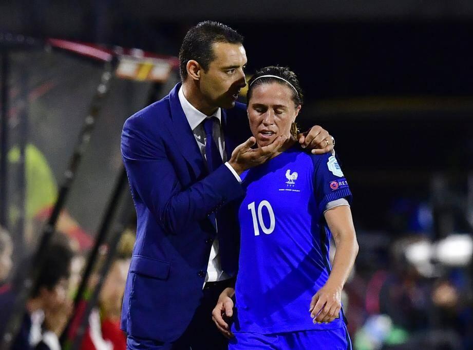 L'Azuréen avait mené Camille Abily & Co en quart de l'Euro 2017, où l'aventure avait pris fin contre l'Angleterre (1-0). La seule défaite du Mentonnais sur le banc de la sélection en 15 matchs.
