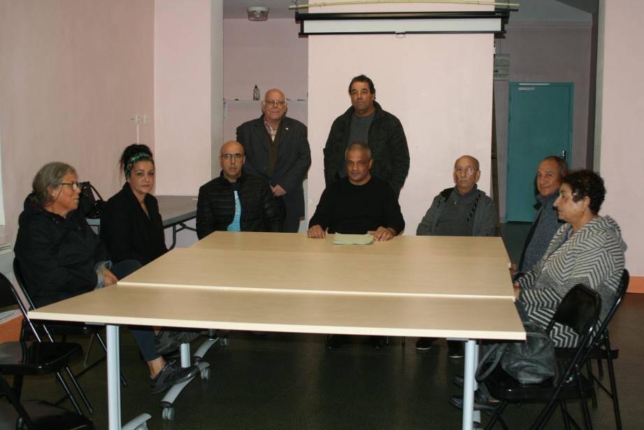 L'association « Harkis Cœur du Var - Provence verte » a été créée en 2010. Elle est présidée par Djamel Guedouar (assis au centre).