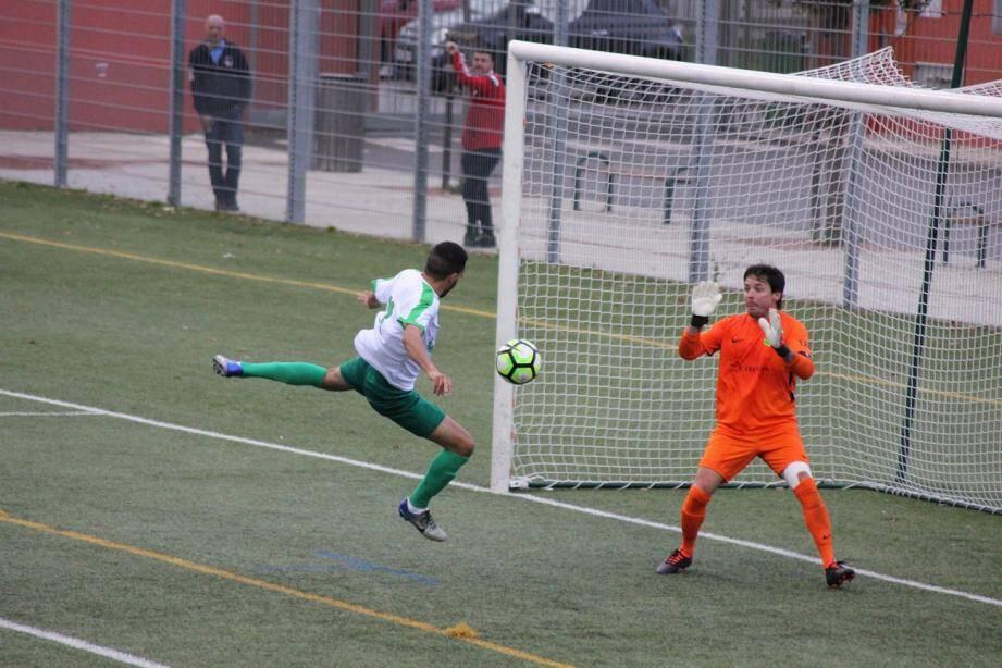 Troisième défaite en trois matches à domicile pour l'US Carqueiranne-La Crau...