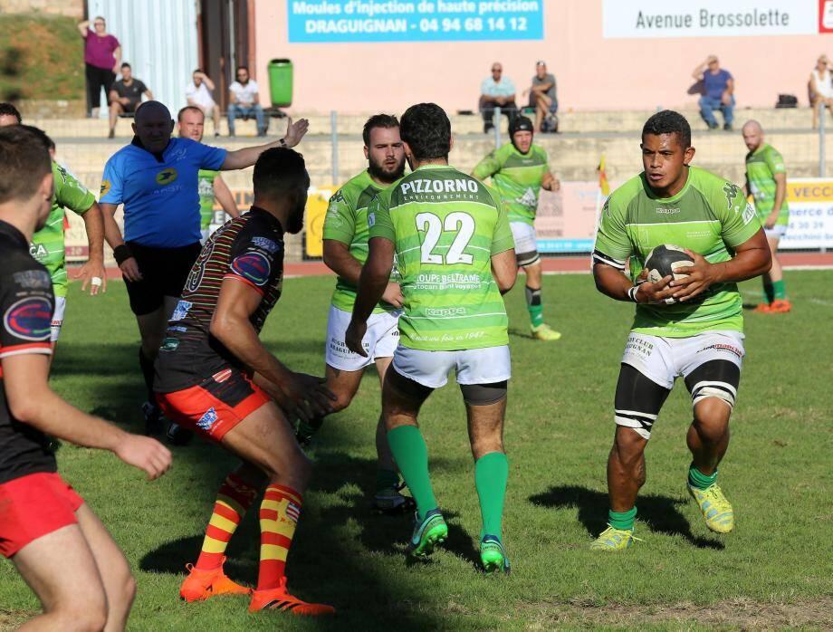 Les rugbymen dracénois ont réalisé une belle opération en s'imposant à l'Isle-sur-la-Sorgue.(Frank Tetaz)