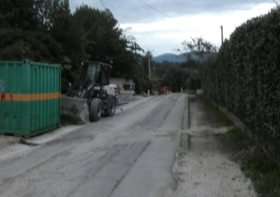 Le chemin sera interdit à la circulation, entre l'impasse de l'alouette et le chemin du haut, tous les jours de 8h30 à 16h30.