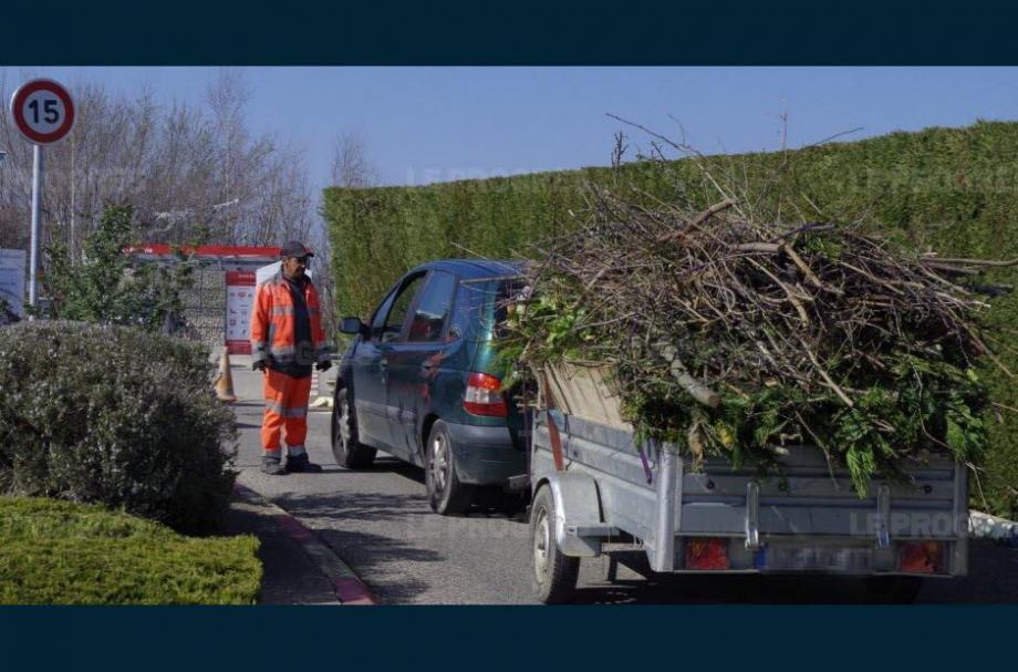 Les personnes qui apporteront des déchets verts se verront offrir du compost.