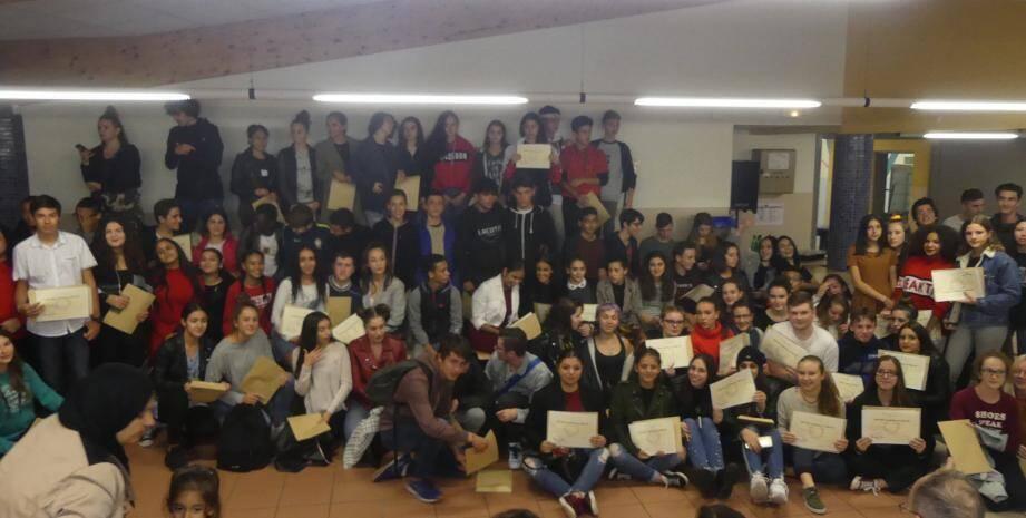 Les élèves étaient heureux de se retrouver pour échanger sur les bons moments passés ensemble au collège et sur leurs projets.