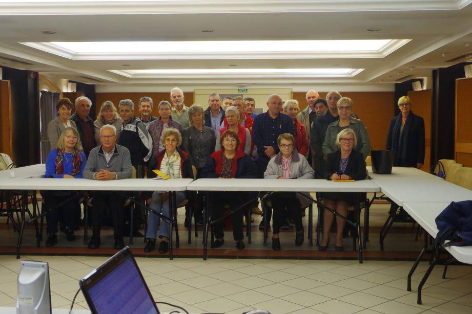 Le groupe des participants avec les animateurs et les élues.