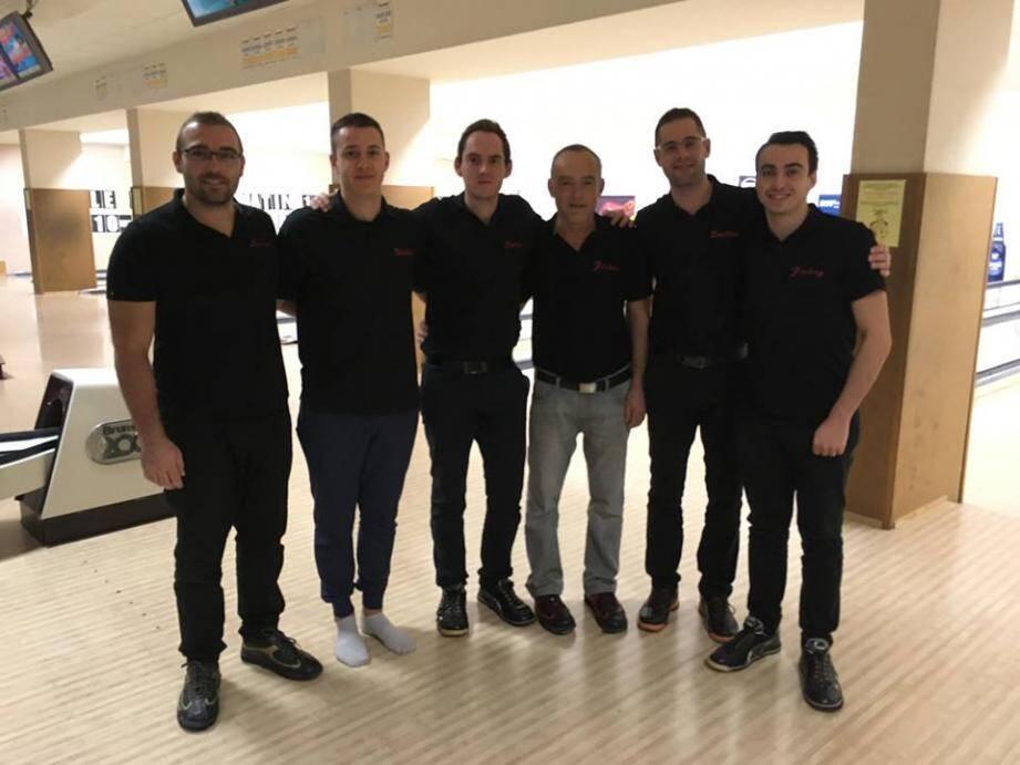 L'équipe de l'ADEB brillante pour l'ouverture du championnat.(DR)