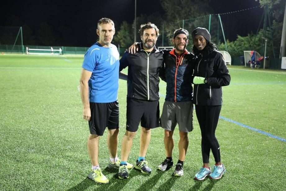 L'équipe D'Foulées croisiennes avec André Collomp trésorier-secrétaire, Patrick Dos Santos président, Francis Lafforet et Adama Laclaverie coachs bénévoles.