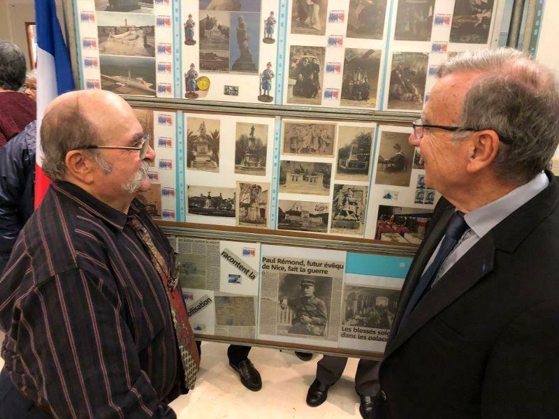 Marcel Raybaud fait découvrir son exposition.