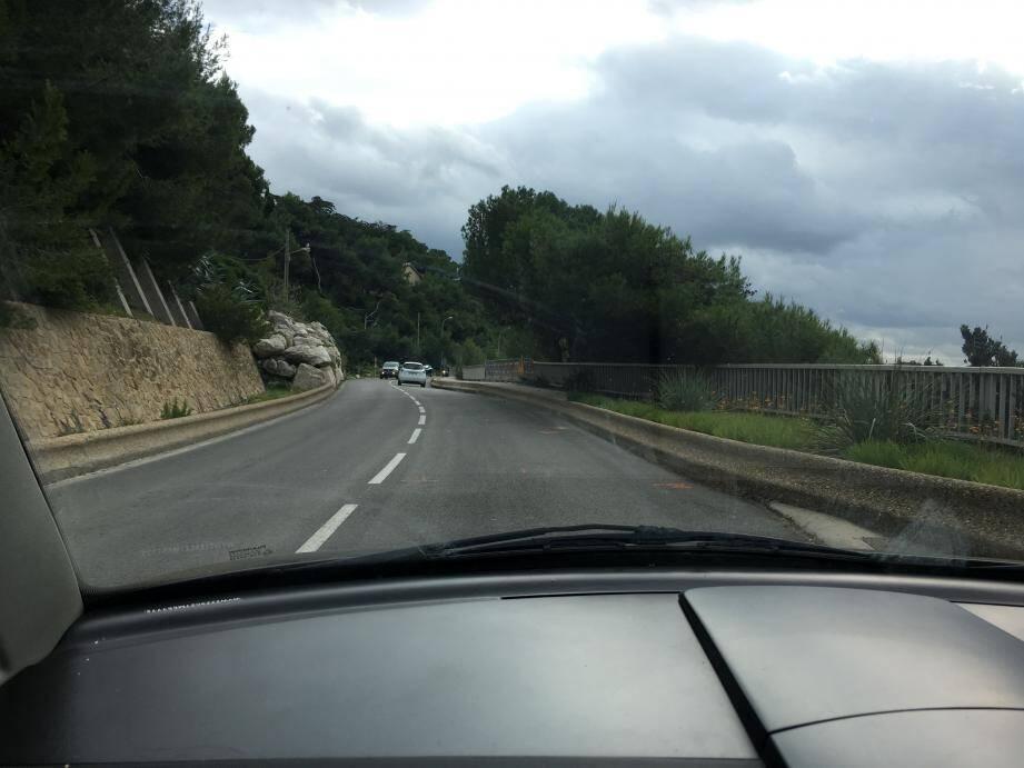 Fin de l'alternat sur la route de Bandol.