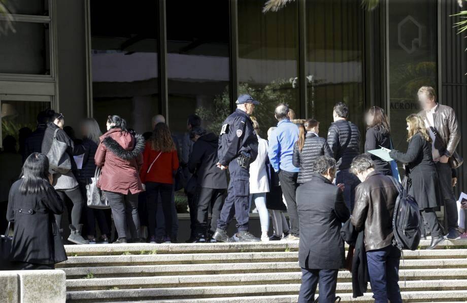 205 parties civiles ont répondu présentes, hier, à la réunion au palais Acropolis.