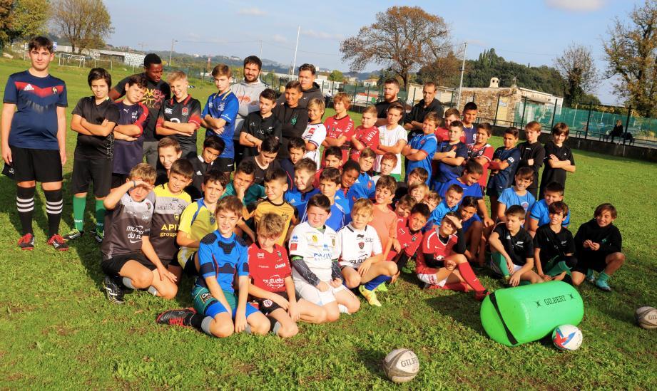 Une partie de l'école de rugby du LRC lors de l'entraînement le mercredi.