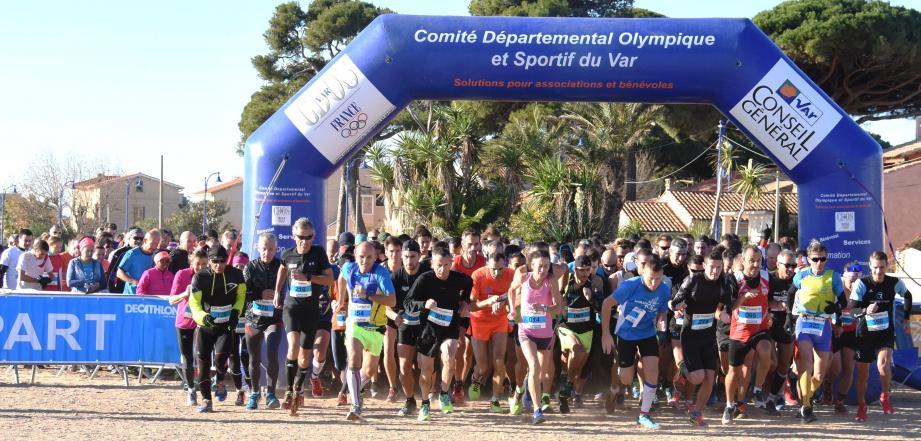 L'an dernier, 444 coureurs s'étaient élancés depuis la plage de L'Ayguade. Rendez-vous le 25 novembre, cette année.