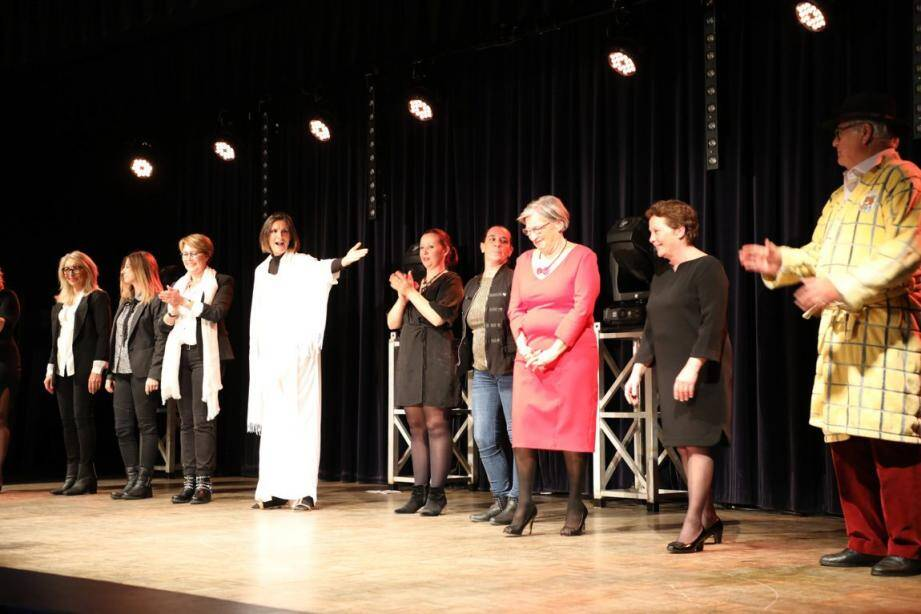 La section théâtre de la Maison des Jeunes et de la Culture a récolté plus de 400 euros pour l'AFM.