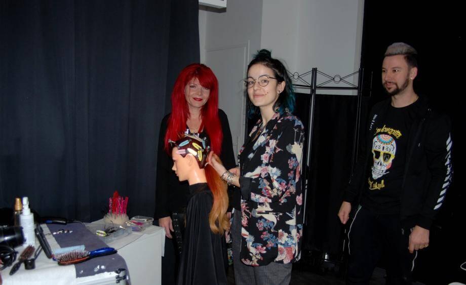 Linda et Yvan Aguilera viennent à la bonne préparation d'Alix pour les Olympiades de la coiffure à Caen.
