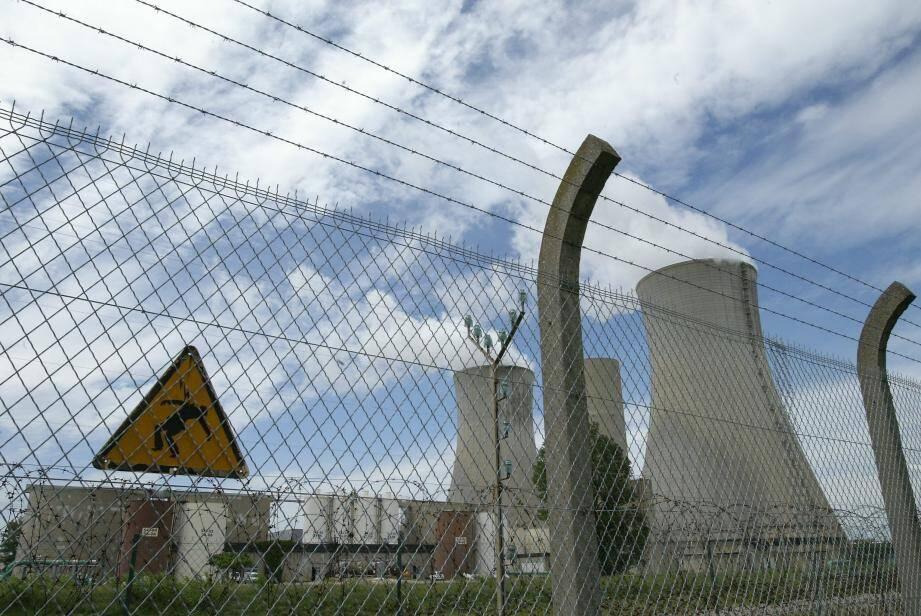 La centrale nucléaire de Tricastin (Drôme) est la plus proche de Draguignan.