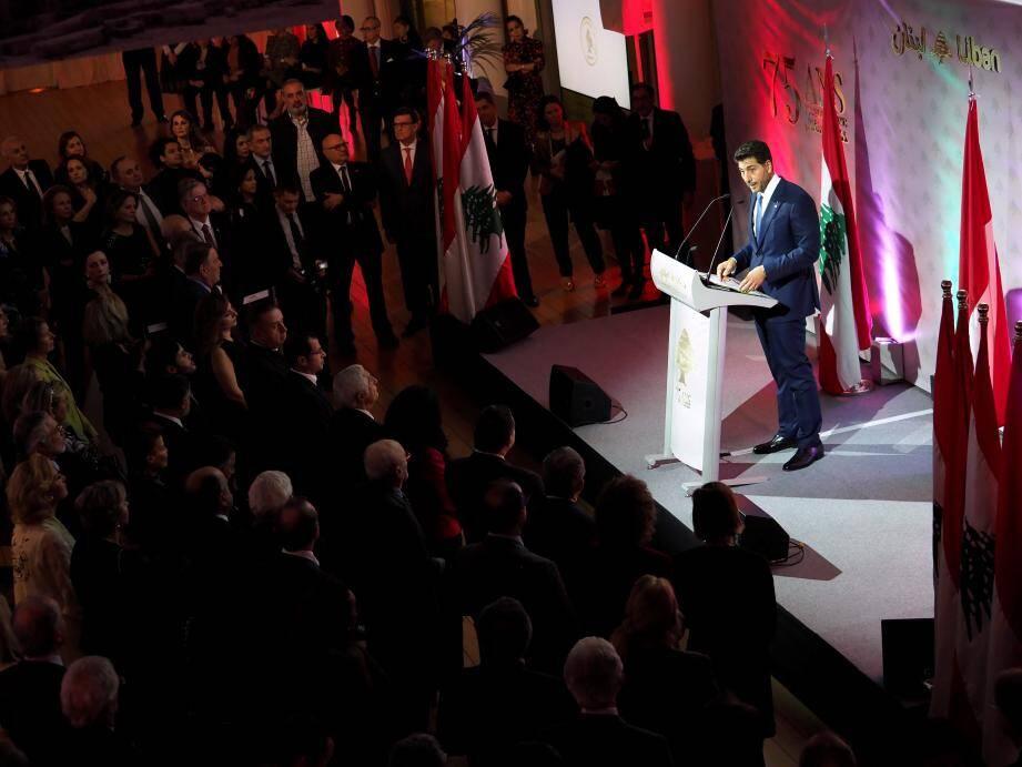 300 personnes étaient rassemblées dans la Ball Room du Yacht-club de Monaco.
