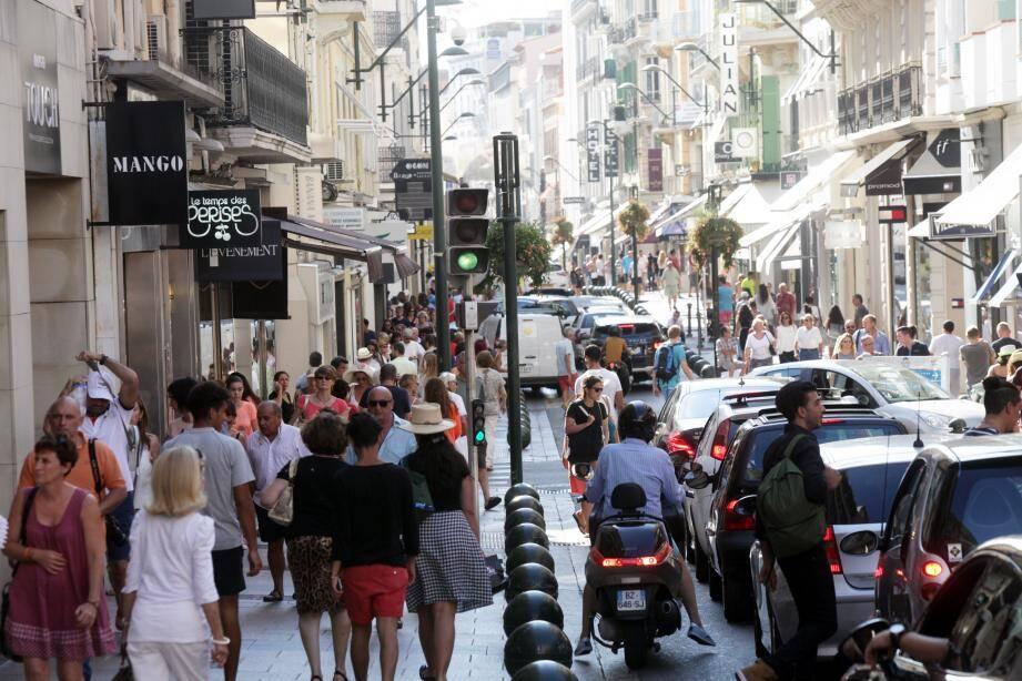 La rue d'Antibes à Cannes.