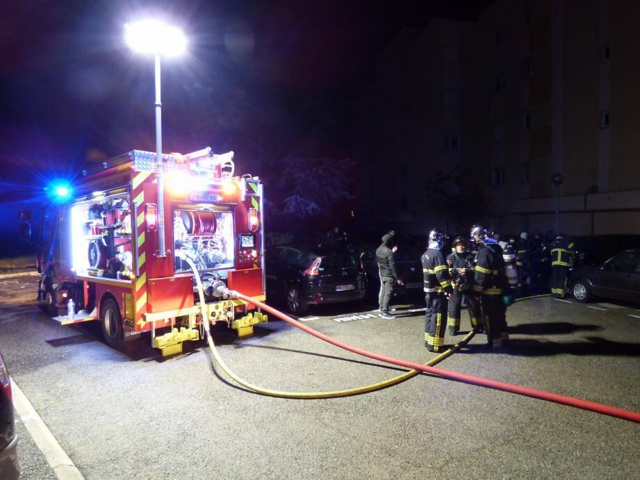 Le feu a été signalé vers 20h15.