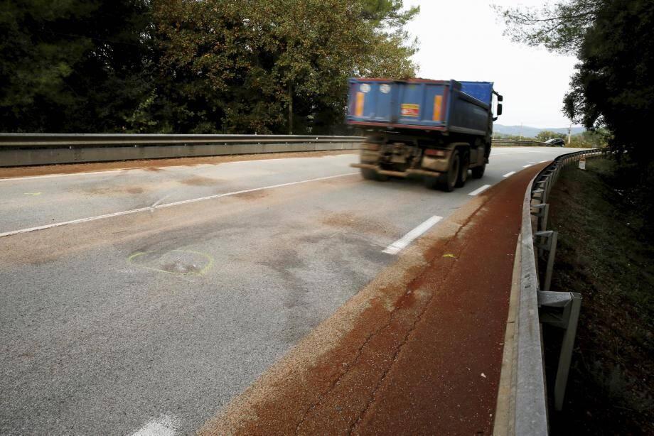 Le lieu de l'accident sur la RD54.