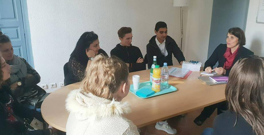 Mercredi, cinq jeunes de 16 à 21 ans ont fait une halte chez Asclépia Conseil, spécialisé dans la formation et le recrutement des métiers de la santé.