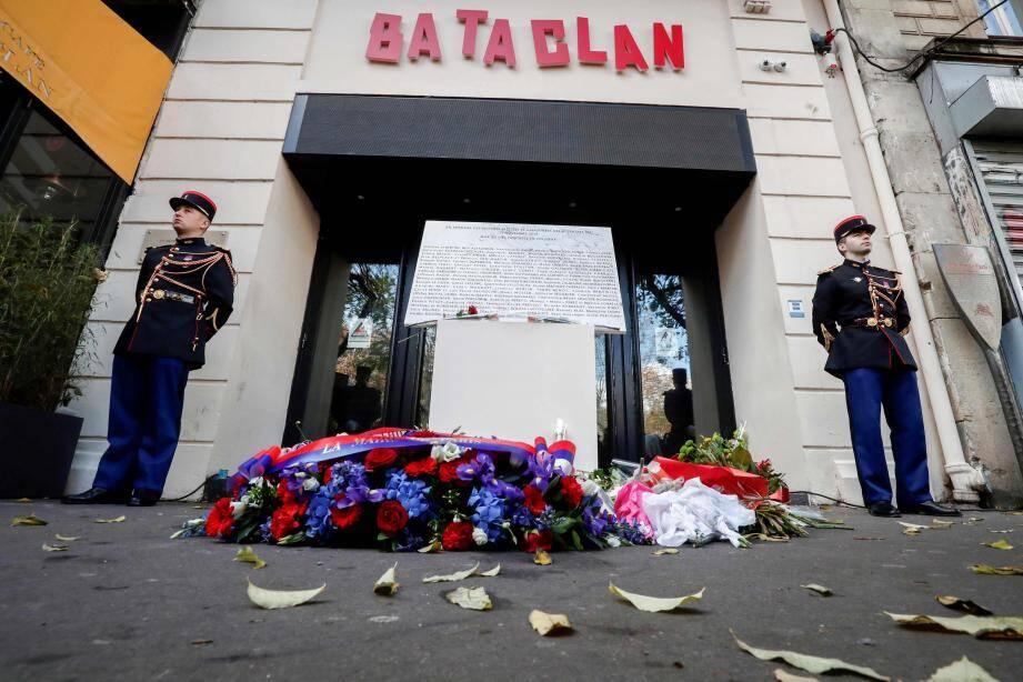 Un hommage rendu aux victimes des attentats du 13-novembre 2015 à Paris.