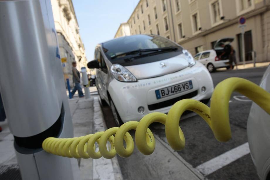 Réforme pour le service d'autopartage qui devrait proposer des tarifs plus attractifs en 2019.