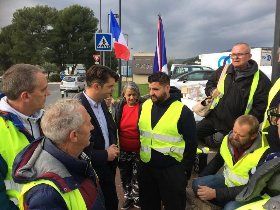Le maire de Grasse a rencontré les gilets jaunes ce jeudi matin.