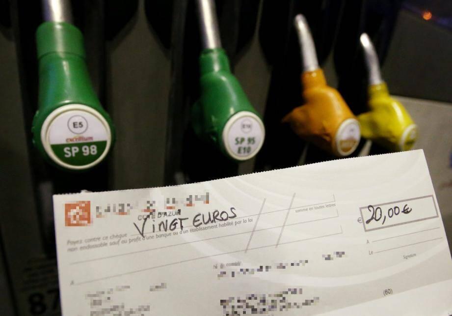La Métropole Nice Côte d'Azur va vous aider à payer votre carburant.
