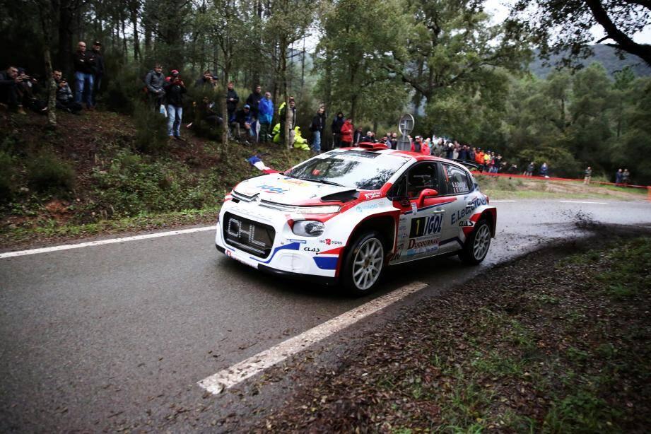 Yoann Bonato et sa Citroën C3 R5 donnent le tempo.