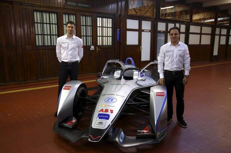Felipe Massa (à droite) et son coéquipier italo-suisse Edoardo Mortara baptiseront la nouvelle Venturi VFE-05 samedi prochain en Arabie Saoudite.