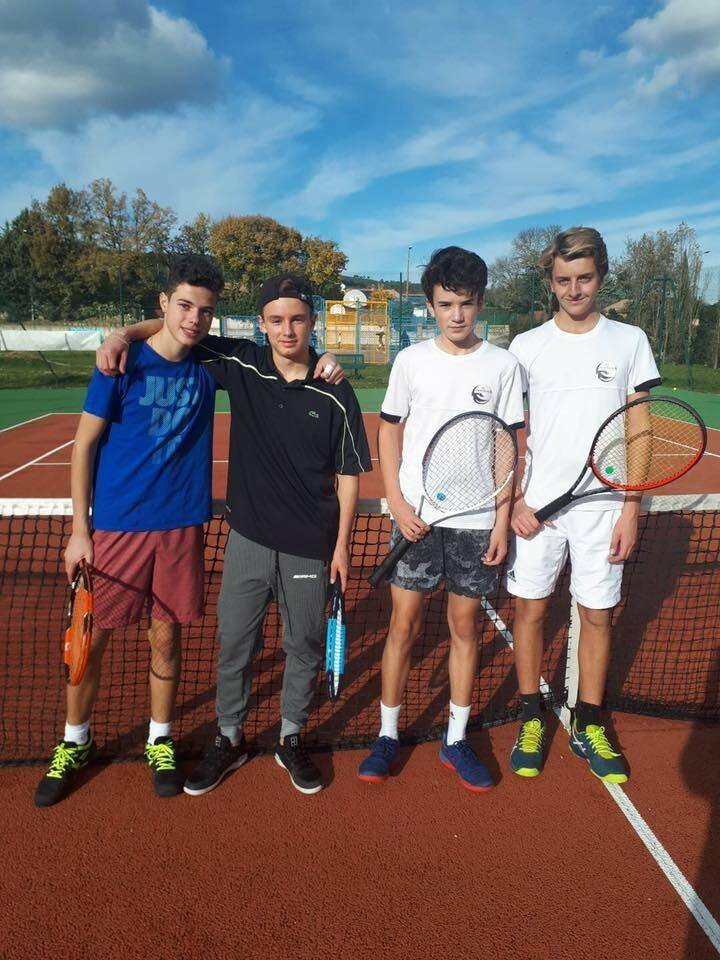 Les U16 garçons, vainqueurs à Forcalqueiret.