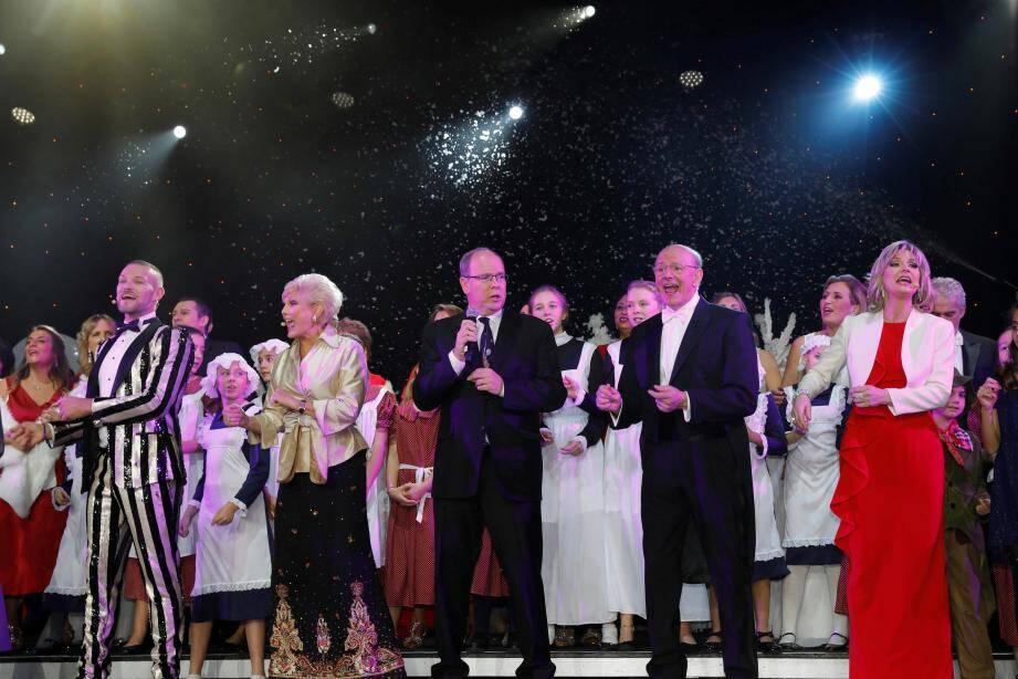 Un duo et une formidable surprise entre le prince Albert II et le professeur Nadir Saoudi, dimanche soir, sur la scène de la Salle des Étoiles.