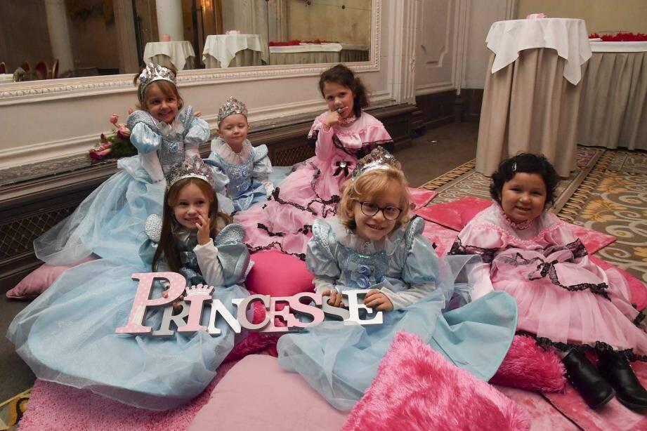 Malades ou défavorisées, huit petites filles étaient les princesses d'un soir,  dernièrement à l'Hôtel Hermitage.