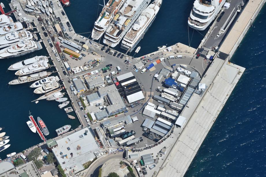 La FIA impose à tout organisateur de Grand Prix un espace de 4 000 m2 minimum pour accueillir les cars-régies chargés des retransmissions télévisées. Malgré différents schémas proposés par Caroli Immo, un accord n'a jamais été trouvé avec l'État et l'Automobile Club de Monaco.