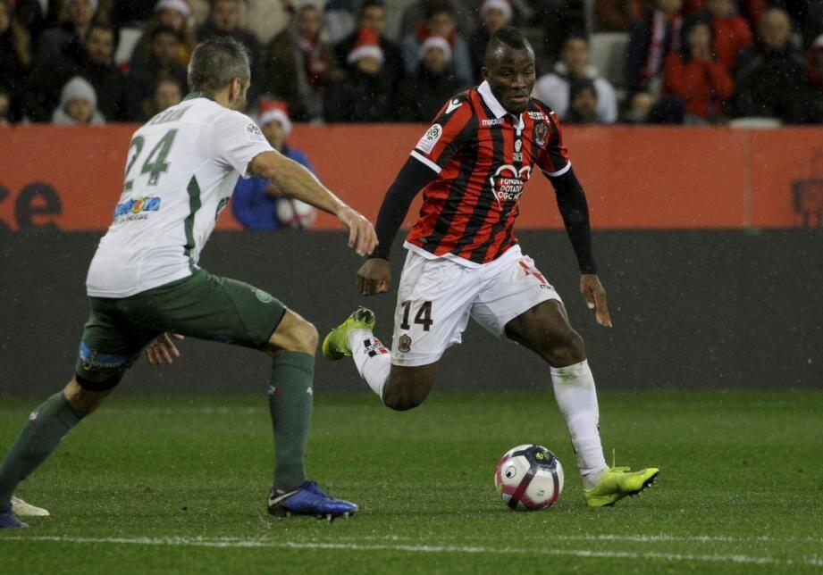 A l'image de Ganago dimanche face à Saint-Etienne, les attaquants niçois ont du mal à se mettre en évidence cette saison.