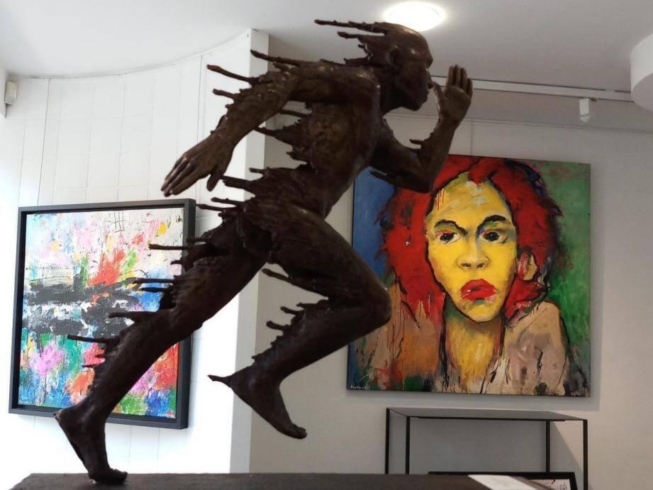 Cette exposition de sculptures et peintures est la dernière de la programmation en cette Galerie.
