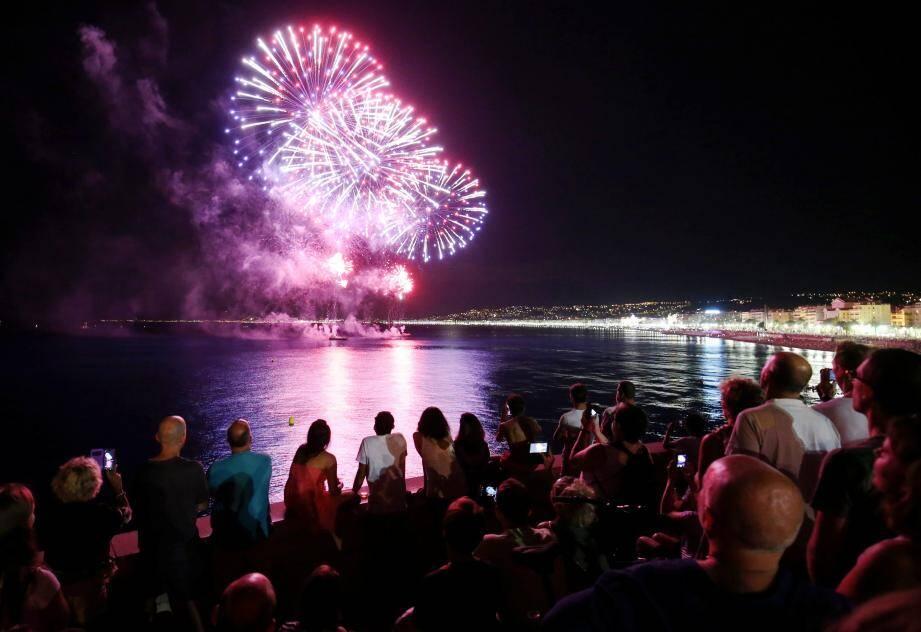 Le feu d'artifice du 15 août et celui de la Fête du port le 9 juin avaient marqué le retour des fulgurances pyrotechniques dans le ciel niçois.
