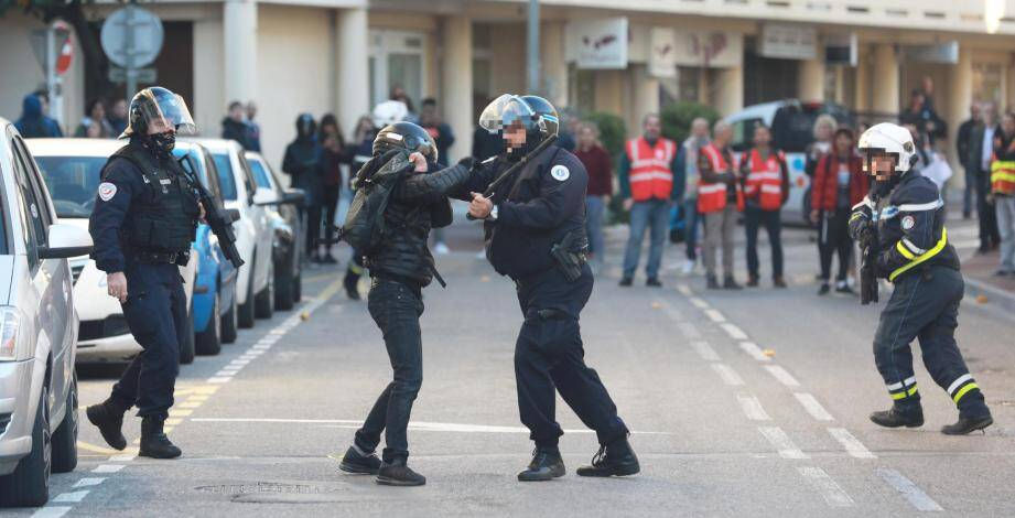 La situation a été tendue ce jeudi à Hyères.