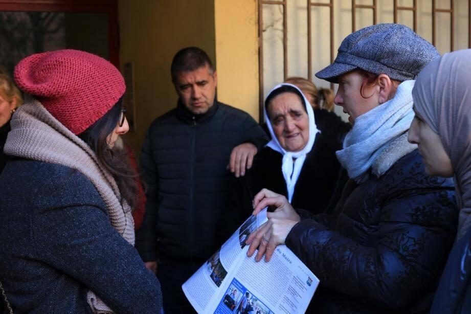 Les habitantes ont présenté leur pétition.