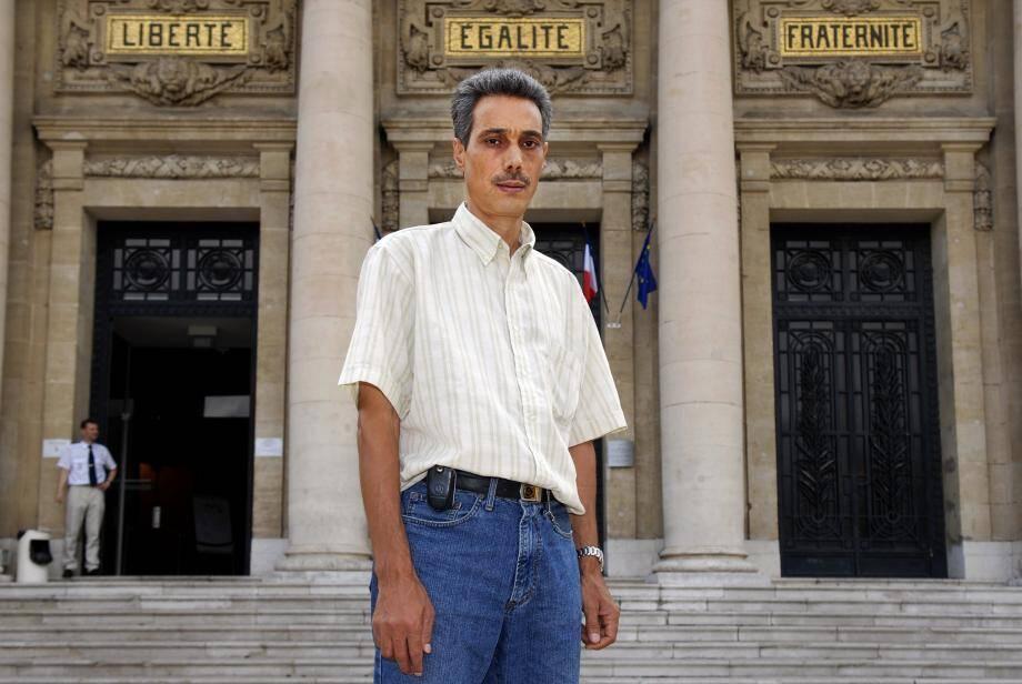 Omar Raddad veut à tout prix obtenir la révision de son procès, criant son innocence depuis maintenant vingt-sept ans...
