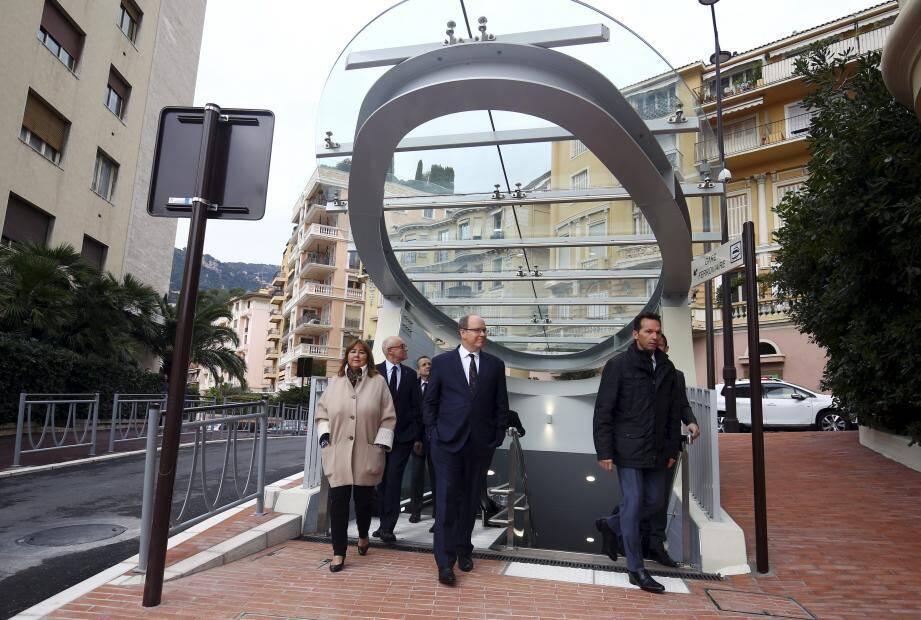 Le prince Albert II a inauguré, ce jeudi, ce cheminement souterrain qui relie la gare SNCF au boulevard de Suisse et devrait fluidifier la circulation routière boulevard Princesse Charlotte. Coût: 10 M €.