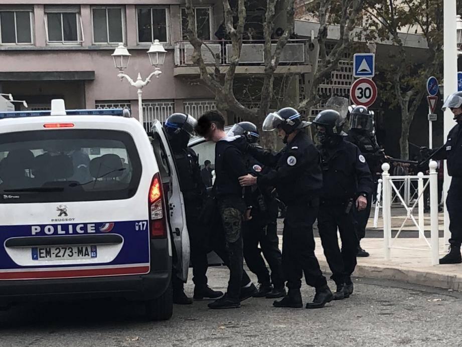 Des manifestations se sont soldées par des arrestations.