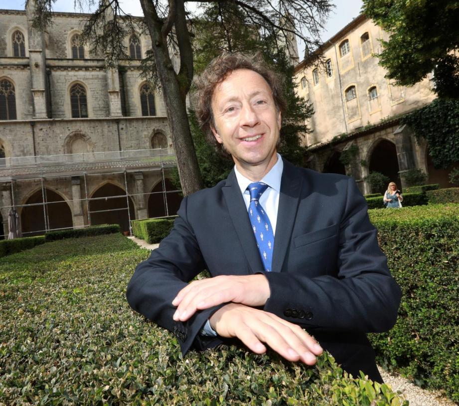 Stéphane Bern en juin dernier dans le cloître du couvent de Saint-Maximin.
