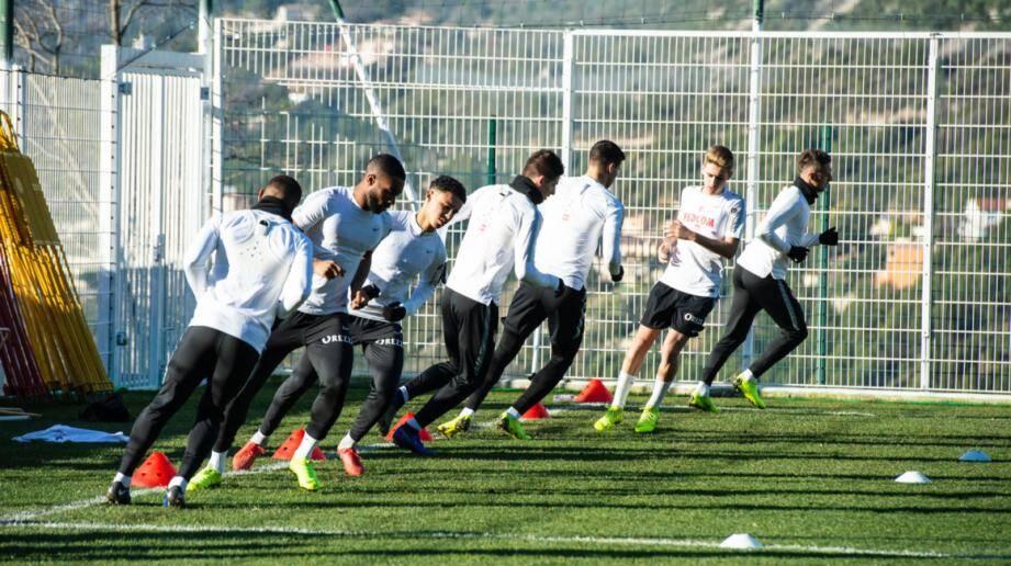 Thierry Henry et Franck Passi ont prévu de doubler les séances quotidiennes pendant dix jours afin de rattraper le retard physique.